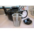 6 Cup REMO Teapot with built in stainless steel strainer