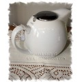 Clipper Teapot with Built in Strainer - 5-6 cup White